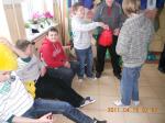 Wstążki i pompony, czyli zabawy ruchowe